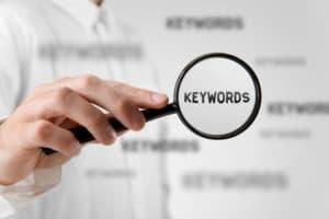 Recomendamos usar keywords para mejor el SEO en imágenes